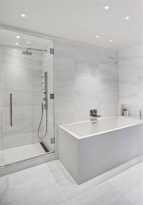 26 Chic All-White Bathrooms That Inspire - DigsDigs