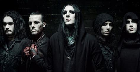 Motionless in white play new song with fill in Keyboardist