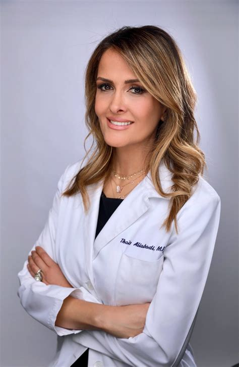 How to find the Best Gynecology Surgeon Near Me | Dr