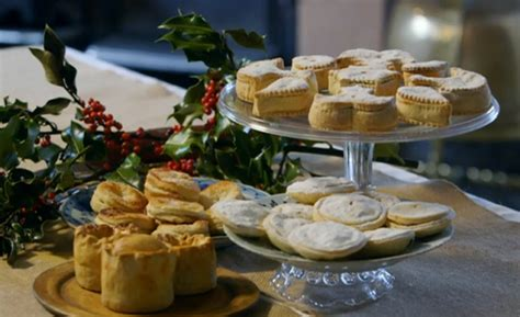Ivan Day mince pie with tongue recipe on James Martin