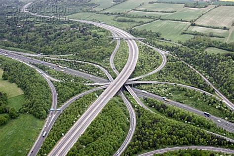 A145-00176: Aerial view north of M25 (Junction 8) and M2