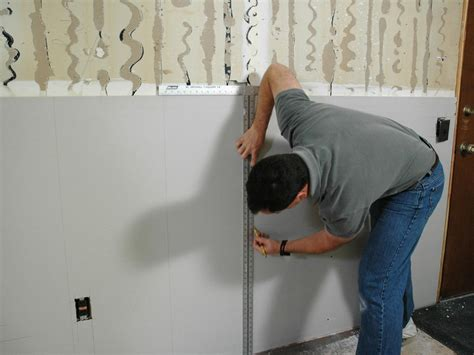 How to Hang Quarter-Inch Drywall   how-tos   DIY