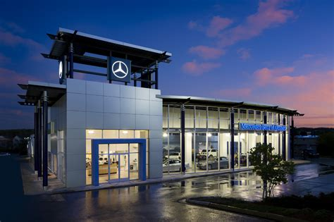 Mercedes-Benz of Alexandria Brings Holiday Cheer to
