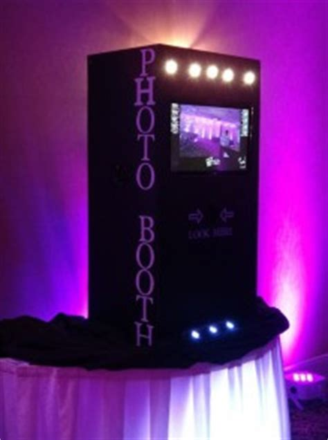 Affordable Photo Booth Rentals Chicago | Wedding Packages