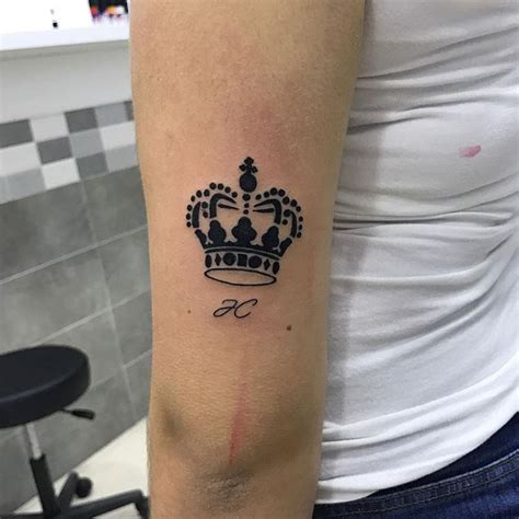 55 Best King And Queen Crown Tattoo - Designs & Meanings