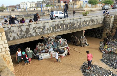 Children among several Yemenis killed by floods and