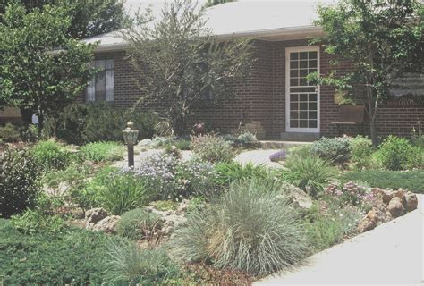 40 Low Maintenance Front Yard Ideas No Mow and Less Water