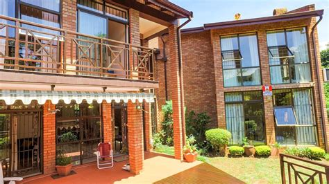 3 Bedroom Townhouse For Sale in Oak Park | RE/MAX™ of