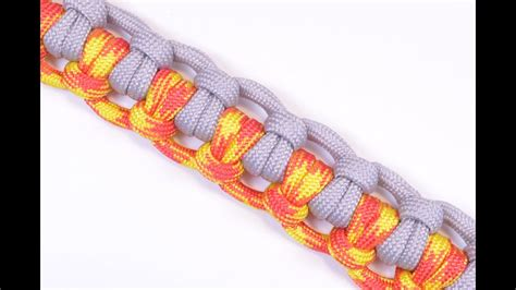 """How to make """"The Half Hitch"""" Paracord Survival Bracelet"""